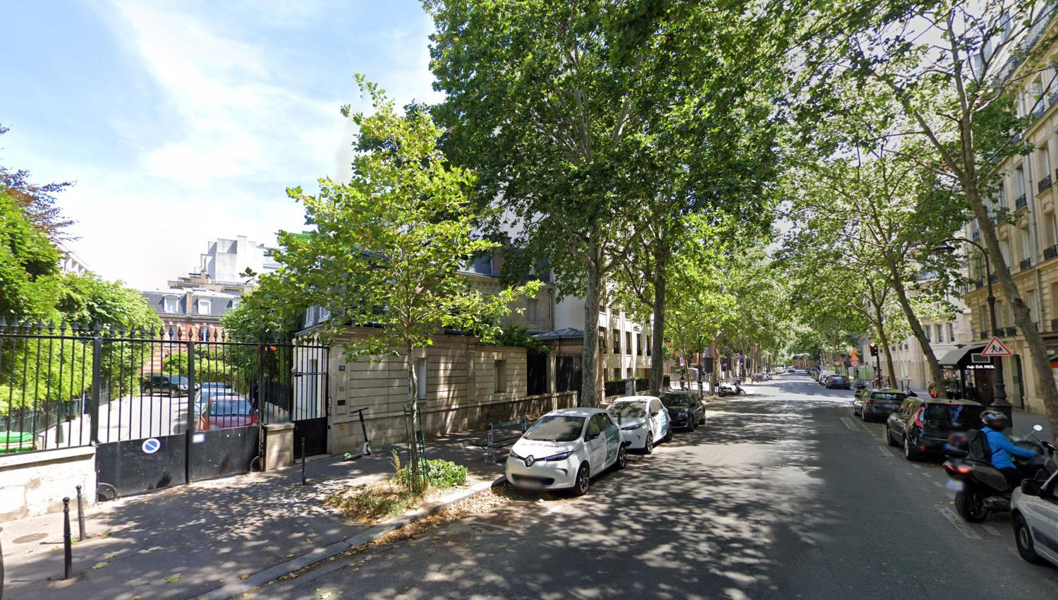 RESIDENTIAL AREA IN PARIS